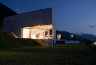 Casa-Colangelo-Vigana-notturna-2